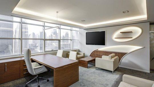 Optimiser la décoration du bureau en choisissant ses meubles